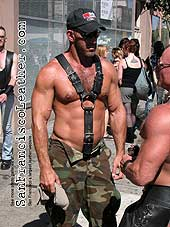 Bodybuilder in Leather at Folsom Street Fair 2007 - Click for larger image